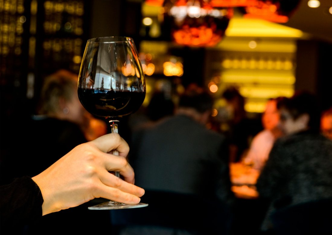 vino sin alcohol holy black