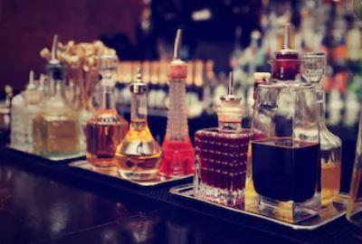 Gran variedad de fabricación de bebidas bitters para ser degustadas