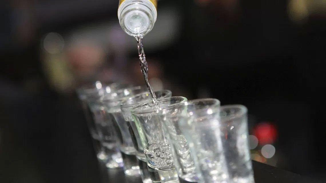 boire la Vodka pur et sans glace