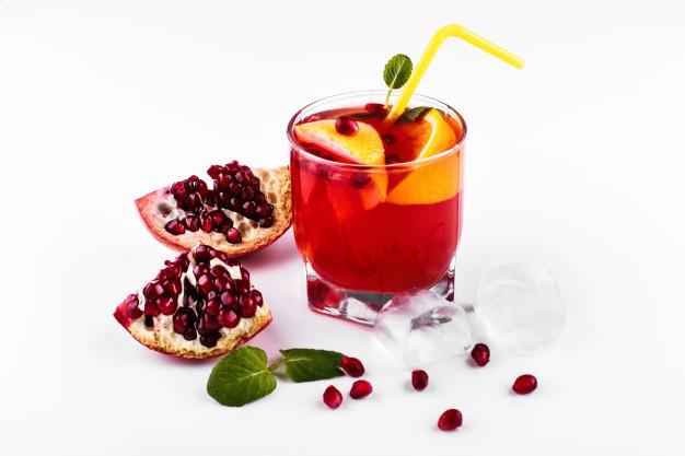 Cócteles sin alcohol: mosto rojo y cítricos